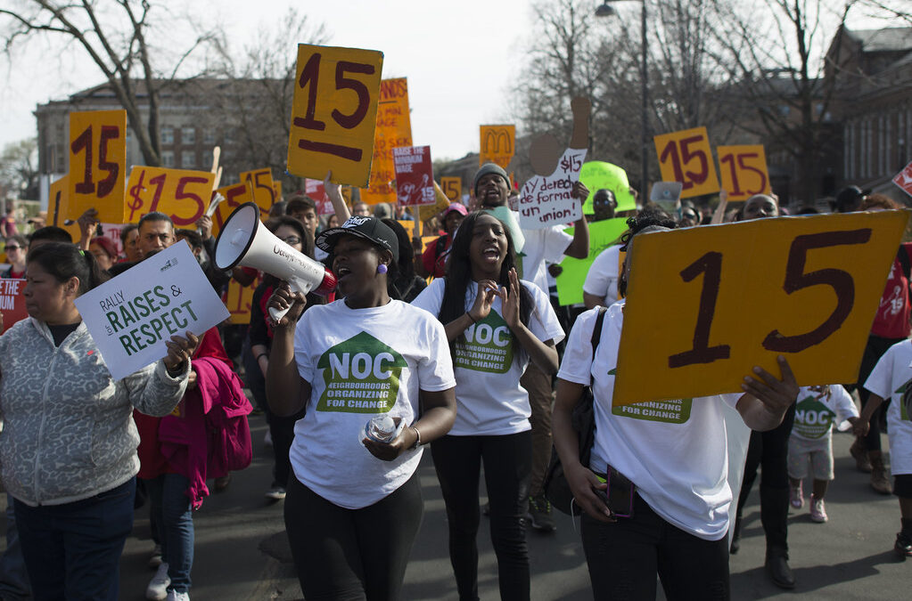 Should the US raise the minimum wage to $15?